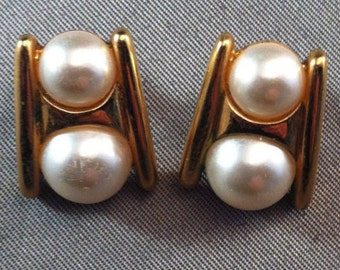 Vintage Napier Pearl Goldtone Stud Earrings, Napier, Vintage Napier Earrings, Fashion Jewelry, Retro Pearl Earrings, Style of the 50's