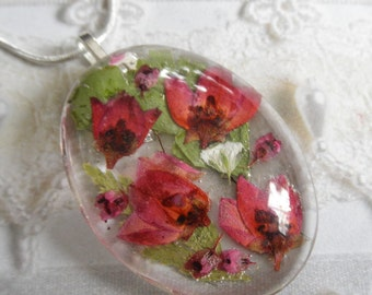 Spring Tulip Garden-Pink Boronia,Pink Heather,Baby's Breath Pressed Flower Oval Glass Pendant-Gifts For 32-Symbolizes Admiration, Solitude