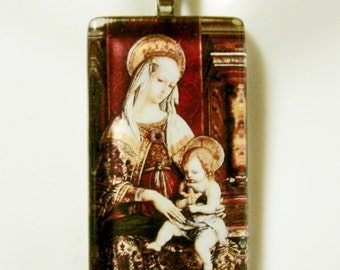 Madonna and child with angels pendant with chain - GP01-382