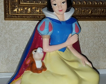 Vintage Snow White ceramic bank figurine by Disney Kreisler