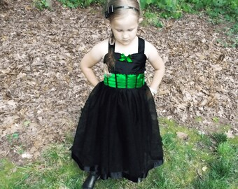 Wicked Witch Costume: black & green tutu, tutu dress, cape, Halloween, birthday, vacation, adjustable, wicked witch of west, wizard of oz