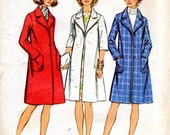 1970s Women's Winter Coat with Notched Collar - Vintage Simplicity 5526 - Bust 40
