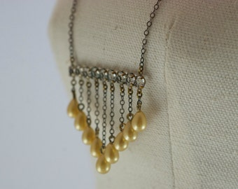 Vintage Crystal Clear Rhinestone Bar Creamy Golden Faux Pearl Burnished Gold Tone Metal Deco Style Necklace  .....3048