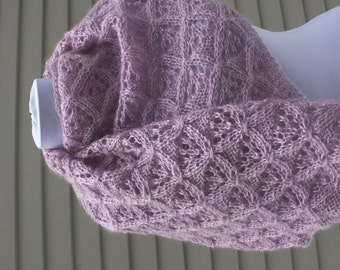 Shawl / wrap, hand-knitted, Lavender, Purple, Lace