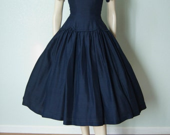 1950s Suzy Perette Navy Silk Day Dress with Cream Lace Collar and Cuffs // New Look Full Skirt - Demure - Sm-Medium