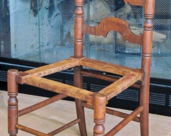 Antique Ladder Back Chair / Natural Finish / Decorative Back / Antique Chair