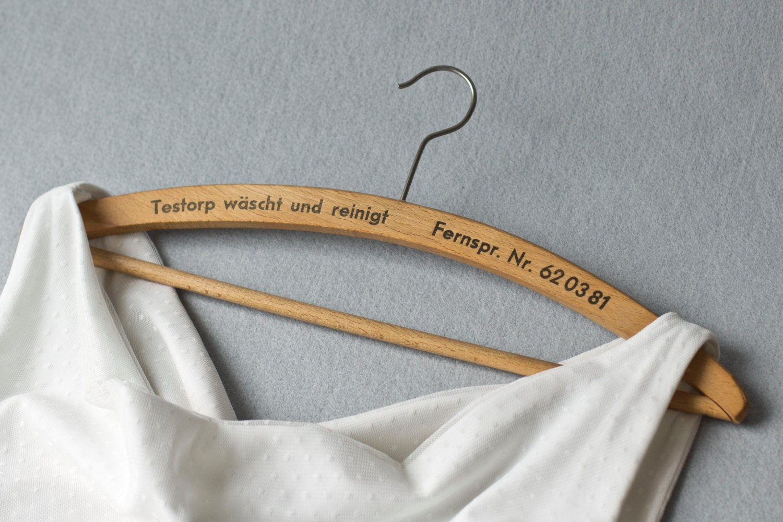 vintage kleiderb gel f r das hochzeitskleid holz upcycled. Black Bedroom Furniture Sets. Home Design Ideas