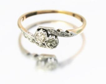 Vintage Ladies Diamond Cross Over Engagement Ring Gold Platinum 9ct 9k   FREE SHIPPING   Size O.5 / 7.5