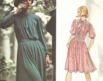 1970s Jean Muir Vogue Couturier Design Loose Fitting Flared Skirt Sleeve Variations Vogue 2970 Size 14 Bust 36 Womens Vintage Sewing Pattern