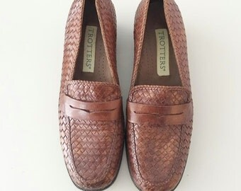 Vintage 90s Woven Brown Leather Loafers / Black Heel / Work Shoes / 7