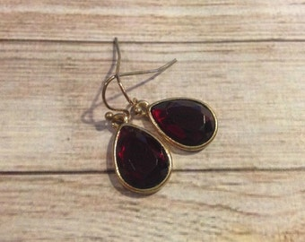Ruby Red Gold Framed Glass Dangle Pendant Earrings, Garnet Earrings, January Birthstone Jewelry, July Birthstone Jewelry,