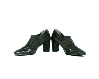Vintage 1990's Black Faux Snakeskin Ankle Boots Women's Size 8 Fabric and Leather