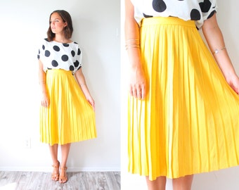 Vintage XS 1950's yellow skirt // retro boho pleated skirt // 1960's girl skirt // modest vintage skirt // bright yellow summer pleat skirt