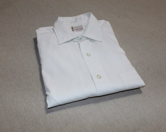 vintage 1960's -Penneys 'Towncraft'- Men's long sleeve dress shirt. Like 'New'. Pure White - Small collar - Link cuffs. Medium - 15 x 32