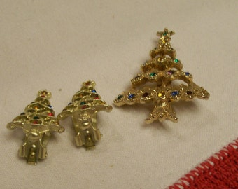 Christmas Brooch Earrings Set 3pc Christmas Trees Vintage 1960s