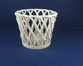 Vintage LATTICE BASKET PLANTER Creamy White Plant Pot Indoor Gardening Erphila