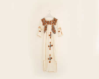 Vintage 70s Boho Hippie Embroidered Floral Brown & White Cotton Dress, Womens Size Small - Medium / ITEM549