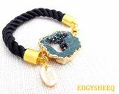 Druzy Geode Cord Bracelet, Gold Plated Druzy Quartz Geode Bracelet, Rope Bracelet, Black and Gold Chunky Bracelet, Modern Glam Cuff