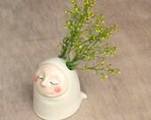 Little breath sculptural vase