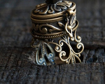 Poison Ring - Gold Brass Oval Box - Secret Compartment