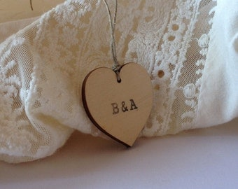 Small wooden heart tags / set of 100 / personalized tags / wedding tags / initial wooden tags