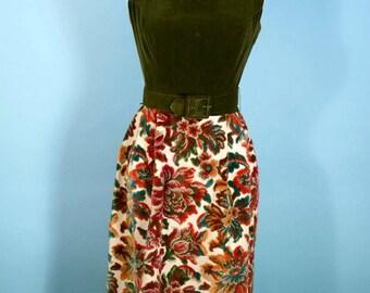 """Vintage 60s Green Velvet Tapestry Dress, Sleeveless Cut Velvet Floral Party Dress, Mod 26""""Waist + Belt Mini Dress S"""