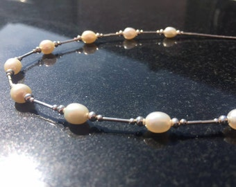 White Pearl and sterling silver necklace