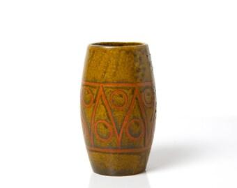 Vintage Bembridge pottery vase, 1950s studio pottery vase, Isle of Wight Yellowsands pottery, mid century home decor, wax resist Fat Lava