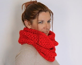 Infinity scarf, red chunky scarf, red eternity scarf, red infinity scarf, winter fashion, Calypso, vegan friendly, ready to ship