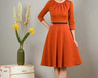 "Dress ""Elisa"", with a round skirt and little falts in russet"