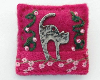 Cat brooch - stretching cat - cat jewelry - gift for cat lover - cat owner gift - pet lover - special gift - UK gifts