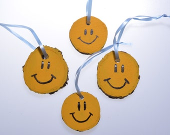 Smiley Face Ornaments, Log slice ornament, rustic log gift tag, natural wood gift tag
