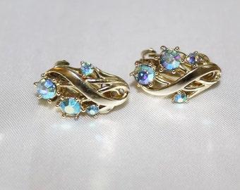 SALE! STAR Signed Blue Green Aurora Borealis Vintage Adorable Earrings ED5