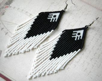 Black and White beaded earrings, beaded jewelry, seed bead earrings, ethnic earrings, beadwork jewelry, boho earrings, bohemian earrings