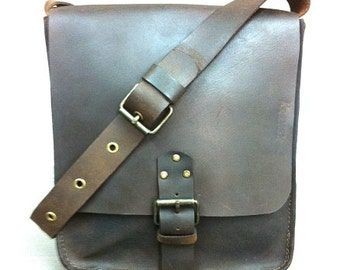 Classic distressed Brown Leather Bag, Small Messenger Bag, Shoulder bag, Crossbody, Men's leather bag, For Him, for every day use.