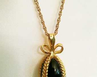 Joan Rivers Egg Necklace - Black Pendant                                        - S904