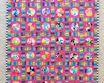 Circle fest, Quilt Art, Quilted wall hanging, home decor, fabric art