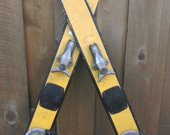 Vintage Wood Skis Snow Winter Holiday Christmas Decoration Metal Binding Cabin Chalet Lodge Decor Atomic Cliff Taylor Yellow Child Wedding