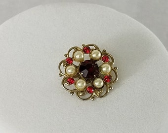 Vintage Flower Pin, Petite Pin, Red Flower Pin, Flower Brooch, Red Brooch, Rhinestone Pin, Costume Jewelry, Jewelry Gifts, Boho Chic Jewelry