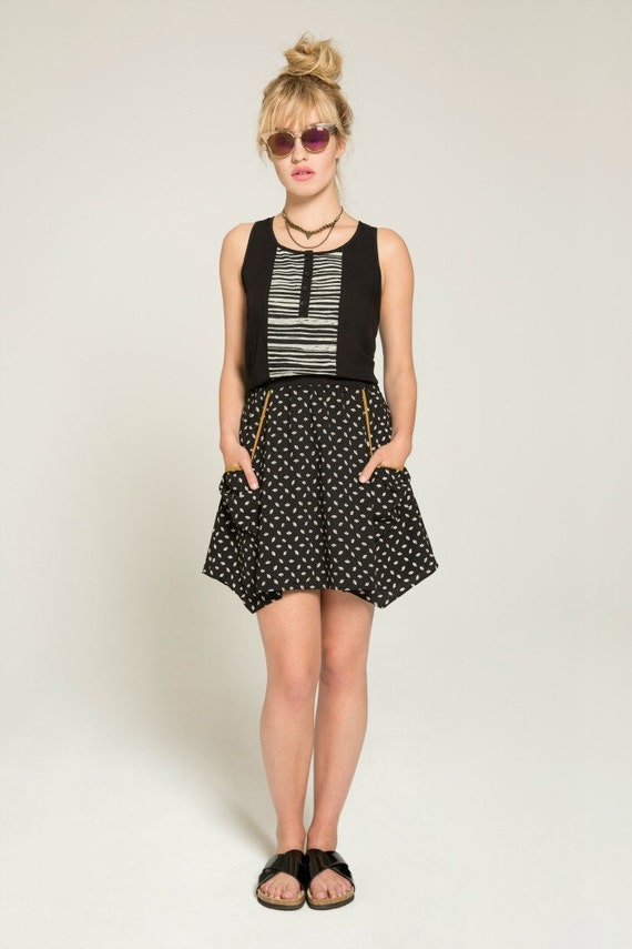 PAPILLON DE NUIT - short skater skirt with pockets, flared skirt, miniskirt, for women - black with paper fans print