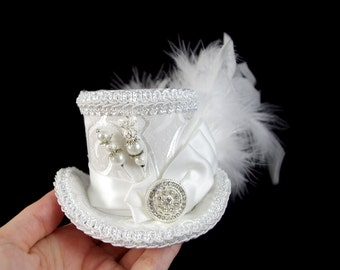 White one White Wedding Crystal Medallion Small Mini Top Hat Fascinator, Alice in Wonderland, Mad Hatter Tea Party, Derby Hat, Bridal Hat