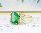 Vintage Cocktail Ring   10k Black Hills Gold Ring   Emerald Green Statement Ring   Nature Jewelry   Botanical Leaf Jewelry   Size 7.25