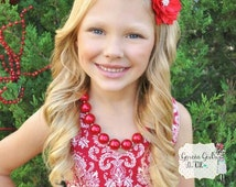 All red Christmas necklace for girls. Red chunky bubblegum beaded necklace. Christmas photo prop, solid red necklace.