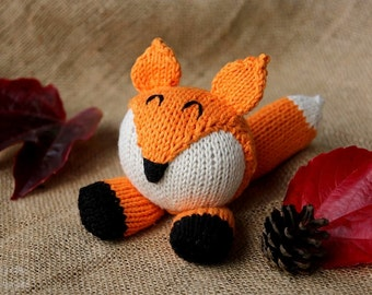 Fox knitting pattern, fox knitting pattern suitable for advanced beginners, fox knitting pattern PDF download DIY stocking stuffer