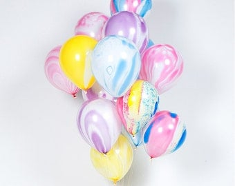 """10"""" Rainbow Marble Balloons (Set of 8) + 50 inches of Twine"""
