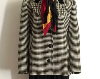 ESCADA!!! Vintage 1990s 'Escada' black and white wool houndstooth jacket with front patch pockets and velvet collar