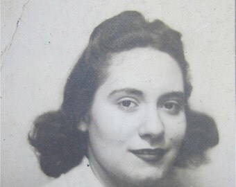 Mona Lisa - Adorable 1940's Sweet Young Girl With A Mona Lisa Smile  Photo Booth Photo - Free Shipping