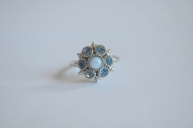 Vintage 70s Avon Ring Light Blue Rhinestones 1974 Moon Magic