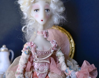 Marie Antoinette doll articulée