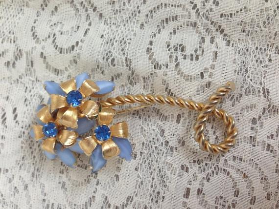SALE Vintage WEISS Large Flower Brooch Blue Moonstones and Rhinestones in Goldtone